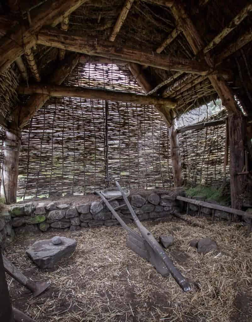 Outlander - Waulking Song barn