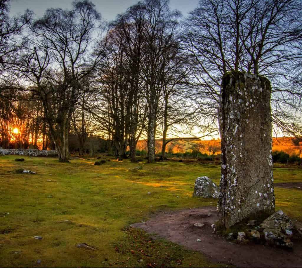 Standing Stone Clava Cairns
